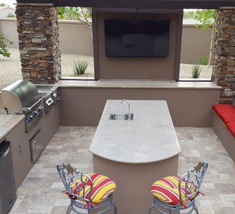 Outdoor Kitchens & Barbecues
